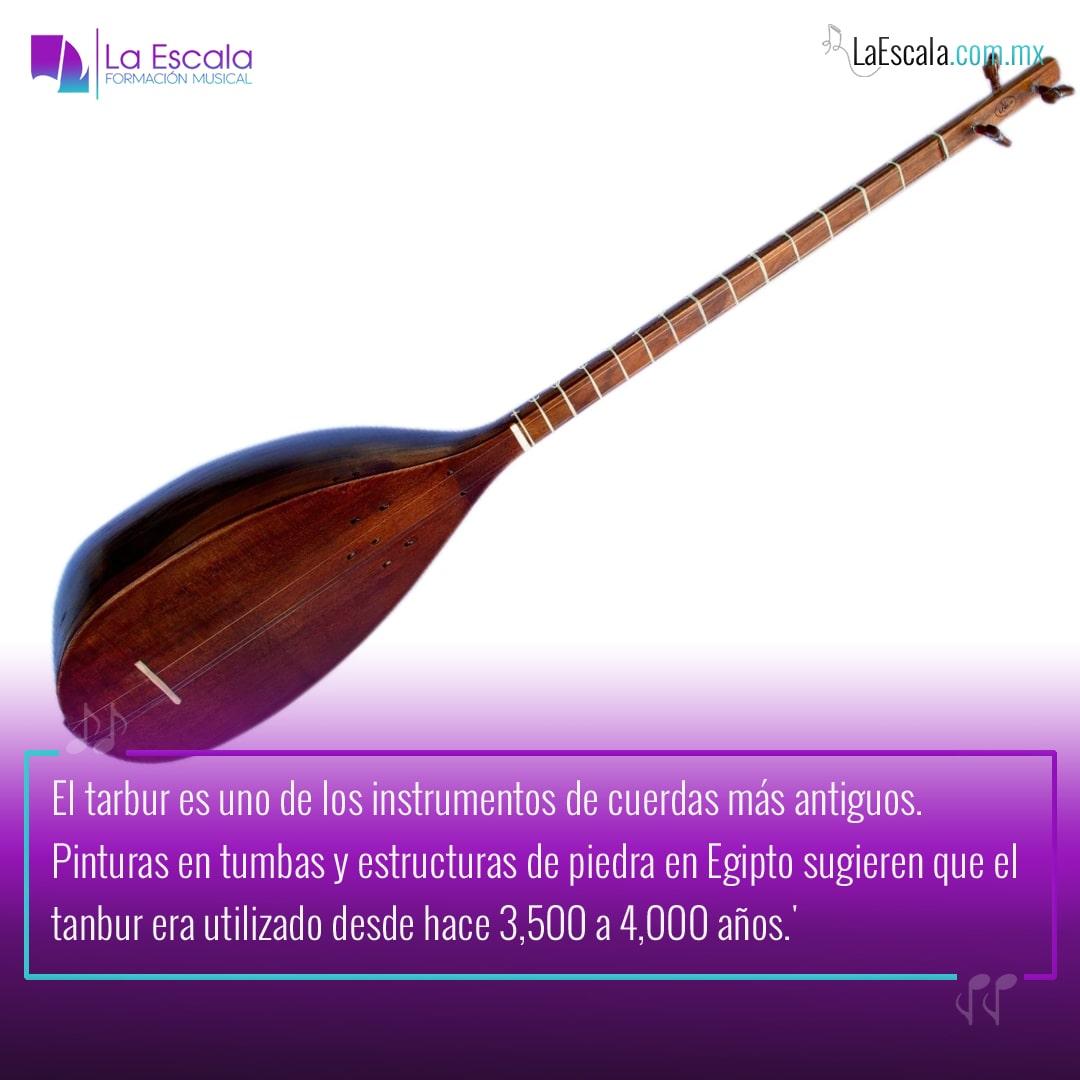 El tanbur es un ancestro de la guitarra
